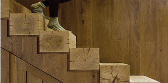 schody w domu drewnianym